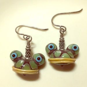Vintage glass frog face drop pierced earrings EUC